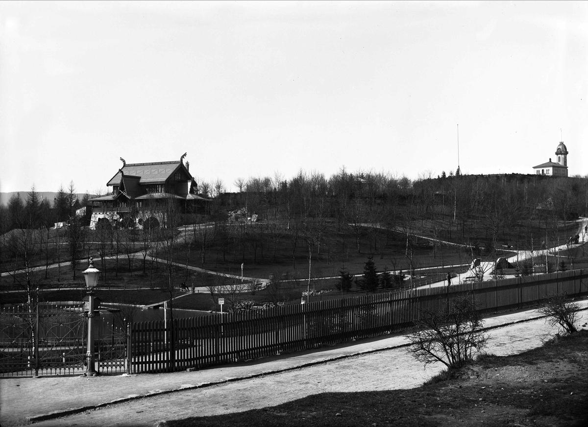 hasselbakke og lysthuset i st hanshaugen park